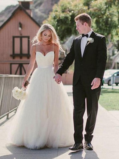 Ball Gown Sweetheart Sleeveless Tulle Sweep/Brush Train Wedding Dress