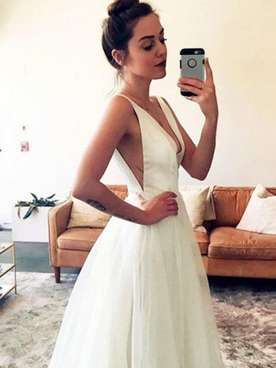 A-Line/Princess V-neck Ruched Sleeveless Sweep/Brush Train Tulle Wedding Dress