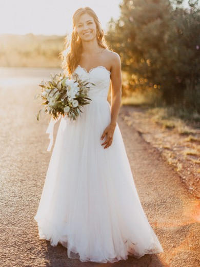 A-Line/Princess Sweetheart Tulle Sleeveless Floor-Length Ruched Wedding Dress