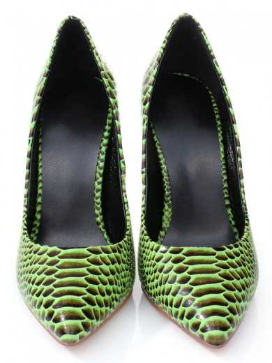 Women's Stiletto Heel Closed Toe PU With Snake Print Shoes