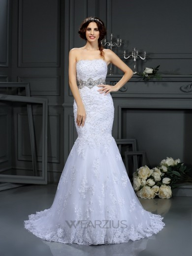 Trumpet/Mermaid Sleeveless Strapless Lace Court Train Beading Wedding Dresses
