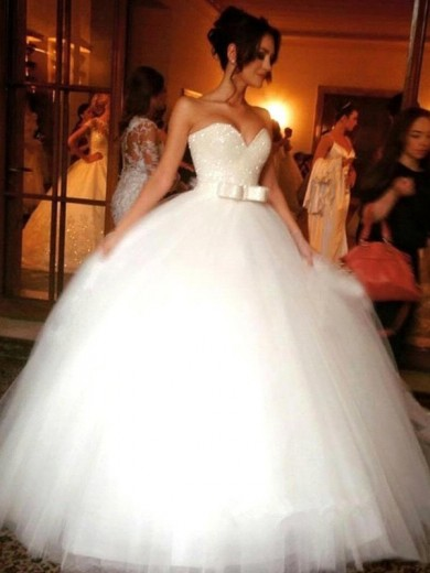 Sweetheart Ball Gown Bowknot Tulle Sleeveless Floor-Length Wedding Dress