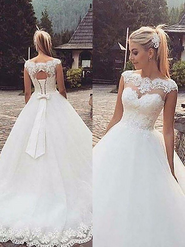 Ball Gown Sleeveless Bateau Lace Tulle Court Train Wedding Dress