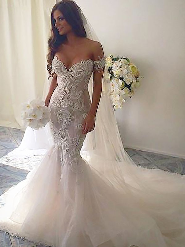 Trumpet/Mermaid Chapel Train Off-the-Shoulder Tulle Sleeveless Wedding Dress
