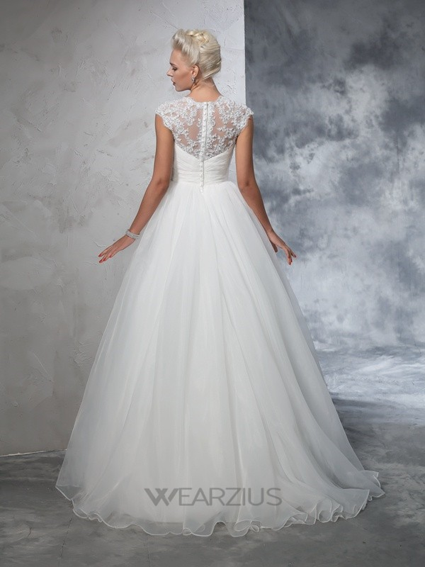 Ball Gown Sleeveless Sweetheart Tulle Ruched Sweep/Brush Train Wedding Dresses