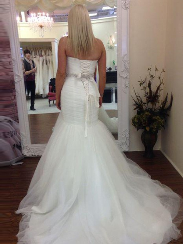 Trumpet/Mermaid Sweetheart Sleeveless Tulle Beading Court Train Wedding Dresses