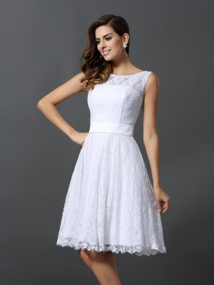 A-Line/Princess Lace Sleeveless Scoop Knee-Length Bridesmaid Dresses