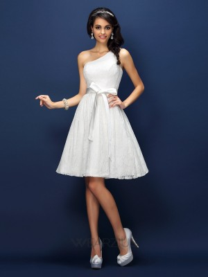A-Line Lace One-Shoulder Sleeveless Bowknot Short/Mini Lace Bridesmaid Dresses