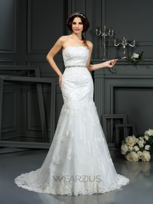 Trumpet/Mermaid Sleeveless Strapless Court Train Beading Lace Wedding Dresses