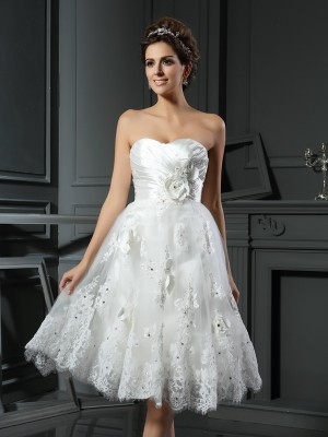 A-Line/Princess Sweetheart Sleeveless Tea-Length Satin Ruched Wedding Dresses