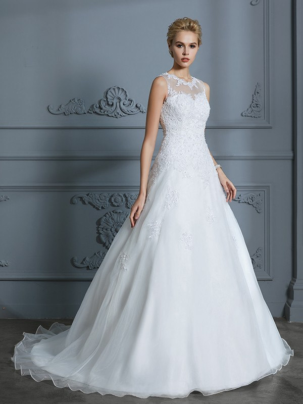 Ball Gown Scoop Sleeveless Applique Court Train Tulle Wedding Dresses