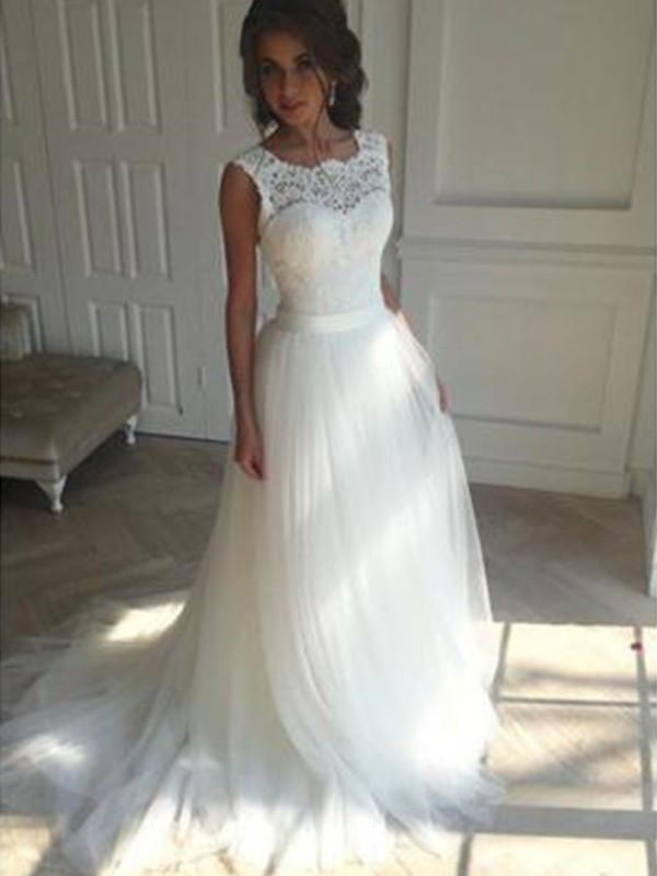 A-Line/Princess Square Sleeveless Court Train Tulle Wedding Dress