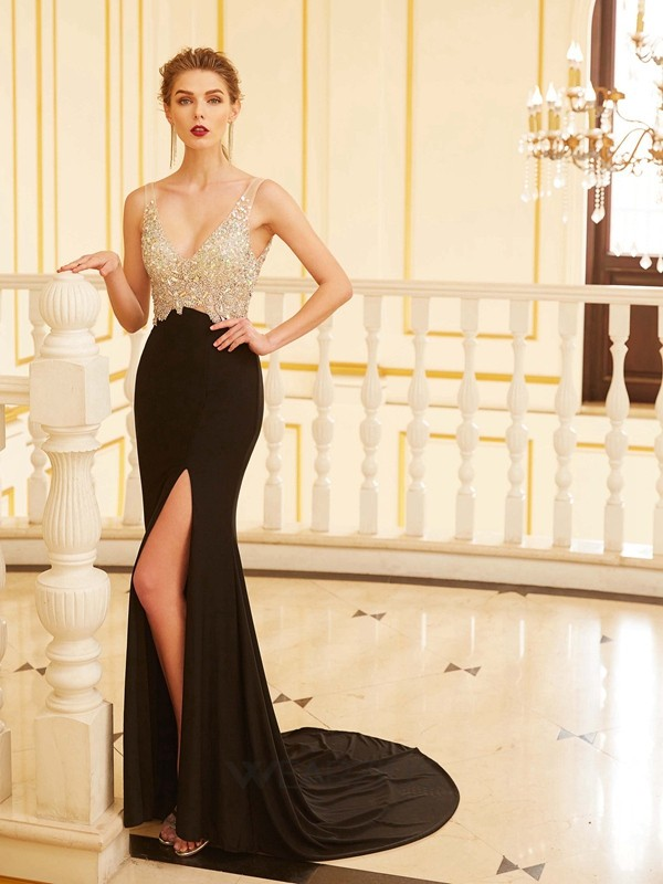 Sheath/Column V-neck Sleeveless Beading Sweep/Brush Train Spandex Dresses