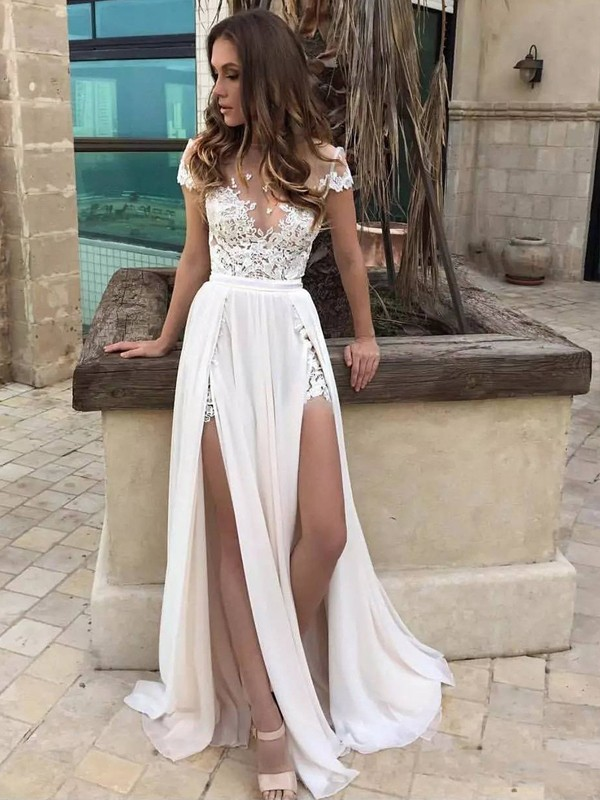 A-Line/Princess V-neck Sleeveless Lace Chiffon Sweep/Brush Train Wedding Dresses